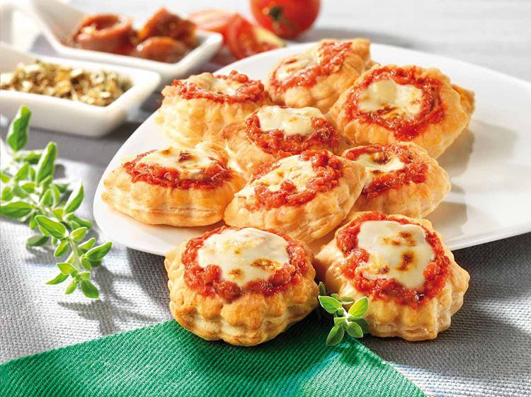 RIGHI NEVER STAYS STILL: A MAKEOVER FOR THE PIZZETTE LINE